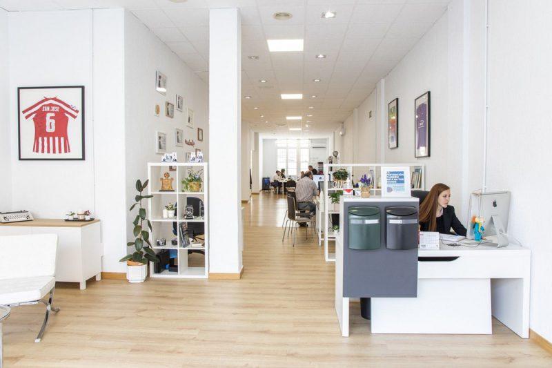 La inmobiliaria en Bilbao Grupo Remax Iron traslada su oficina